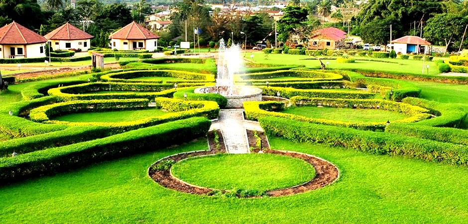 Zenababs Half Moon Resort garden